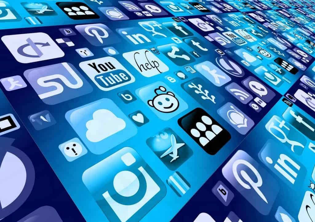 using social media for business - lots of networks to choose from graphic
